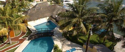 Piscina exterior Hotel Beach House Imperial Laguna Cancún