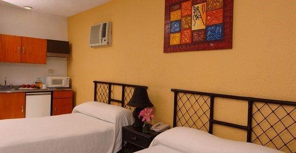 Classic Hotel Beach House Imperial Laguna Cancún