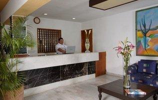 Recepción Hotel Beach House Imperial Laguna Cancún